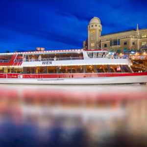 Vienna: Evening Dinner Cruise