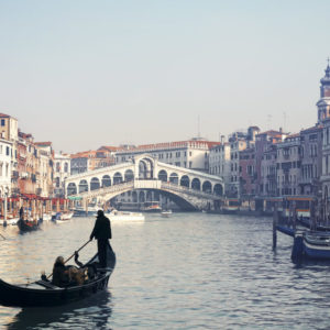 Venice: 1.5-Hour Authentic Gondola Rowing Lesson