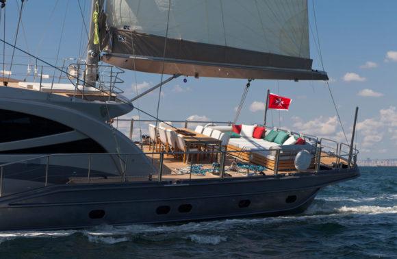 Merlin Yacht