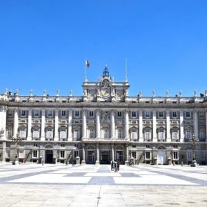 Madrid Royal Palace and Tourist Bus with Tapas