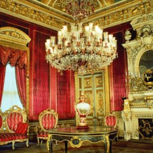Istanbul: Dolmabahce Palace and Grand Bazaar Tour